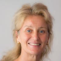 Claudia Parr